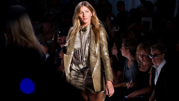 Gisele Bündchen na passarela da Givenchy